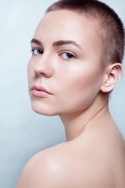 Haare schneiden bei Haarausfall