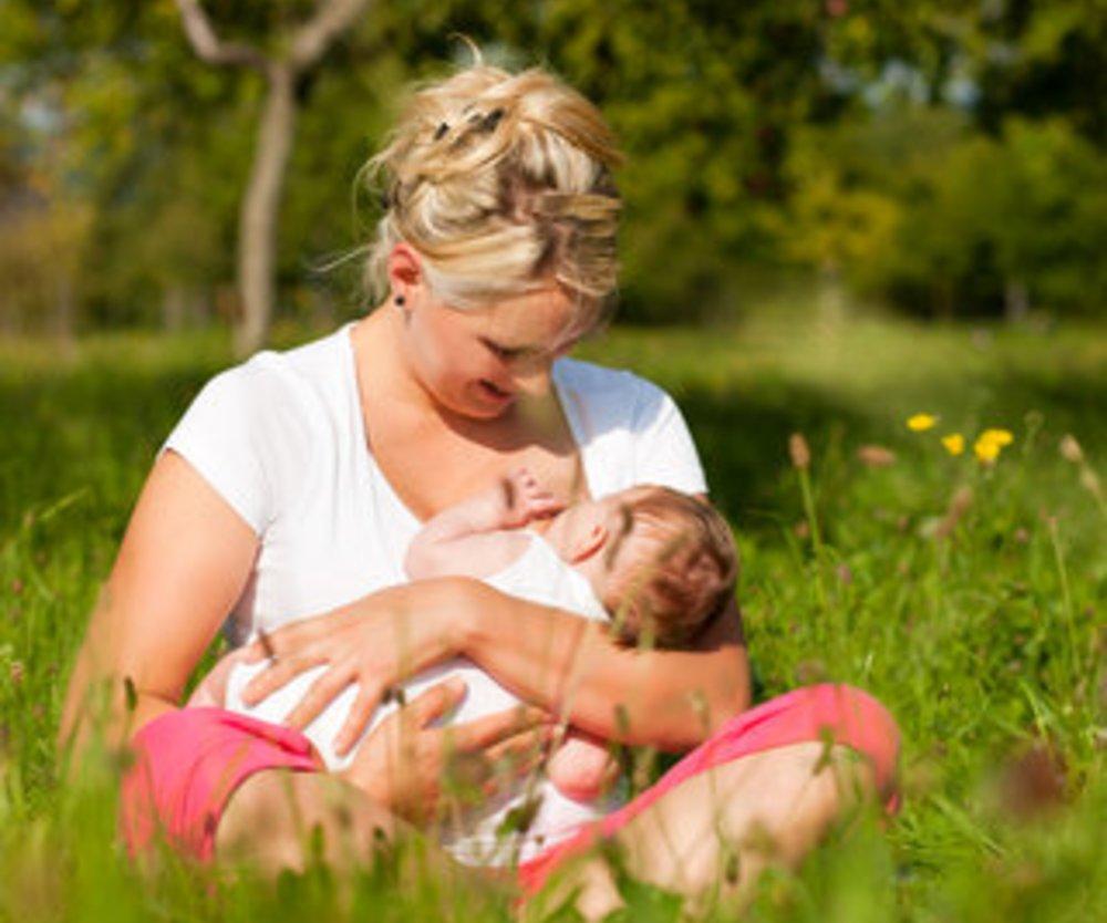 Stillen macht Mütter glücklicher