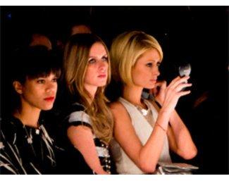 Paris Hilton mit Schwester Nicky Hilton bei der Fashion Week New York