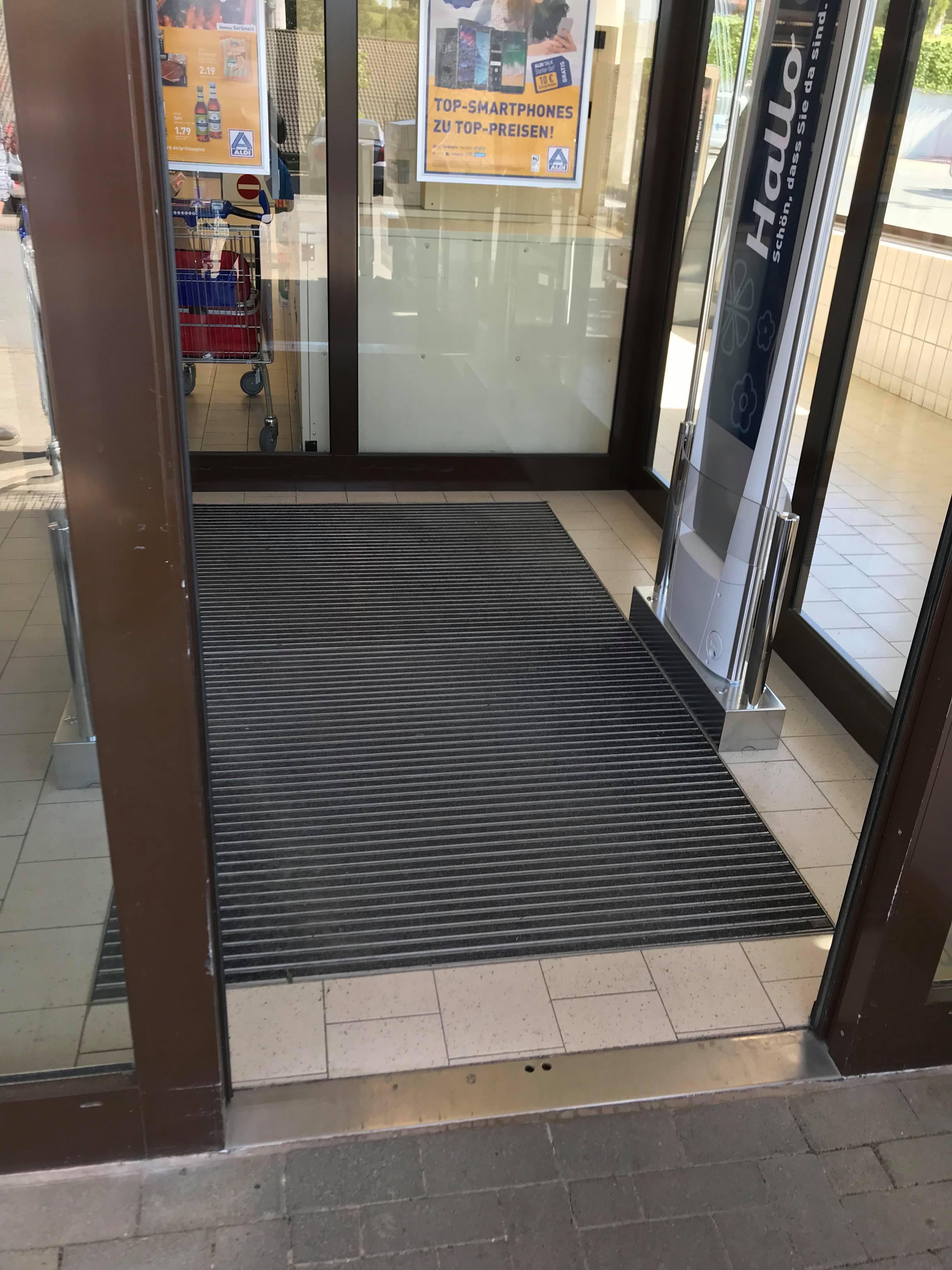 Diese Geheim-Funktion hat der Teppich im Supermarkt | desired.de