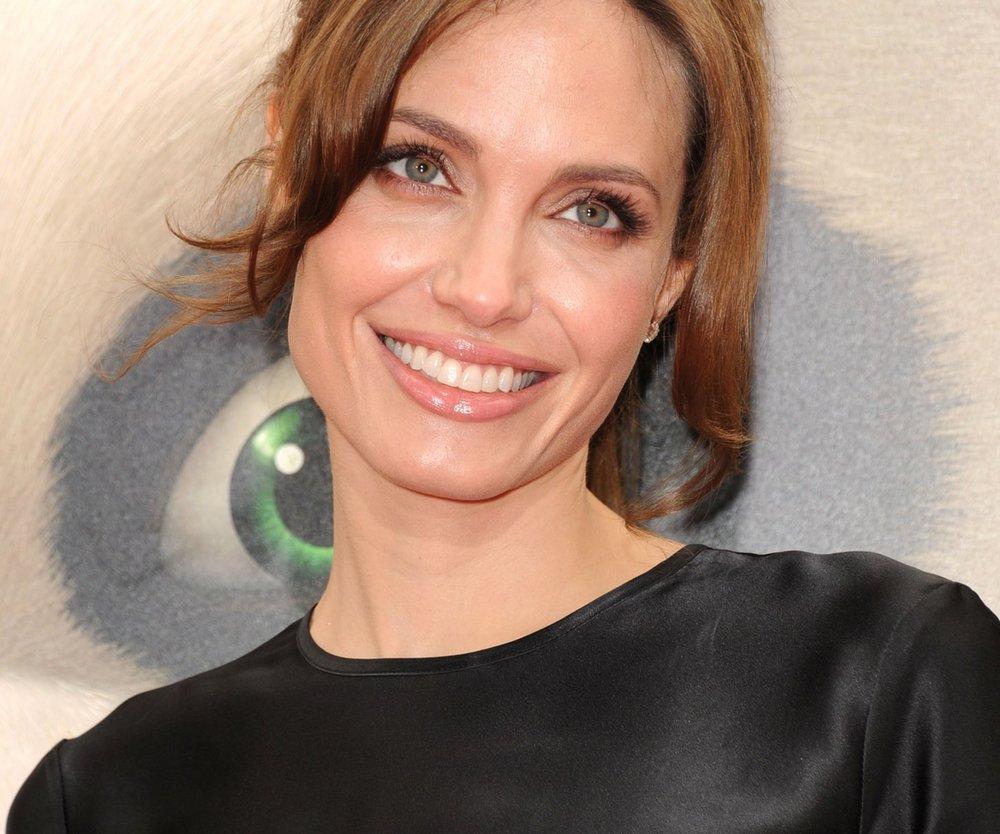 Angelina Jolie schreibt über ihre Mutter
