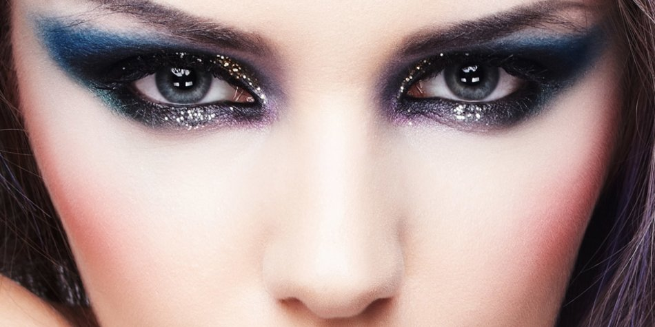Blaue Smokey Eyes