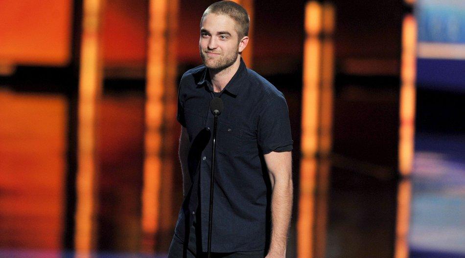 Robert Pattinson musste sich gegen Schere wehren