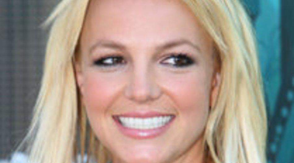 """Britney Spears posiert sexy für """"Out""""-Magazine"""