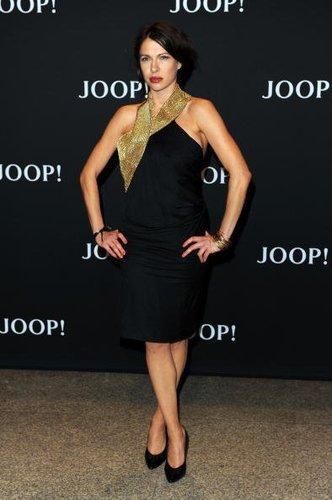 Jana Pallaske vor der Modenschau von Joop