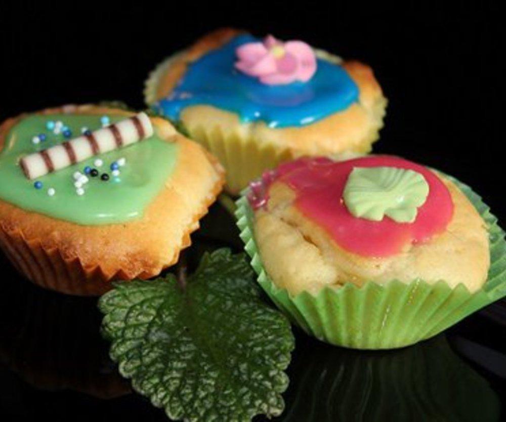 MM´s = Mini-Muffins mit bunter Zuckerglasur