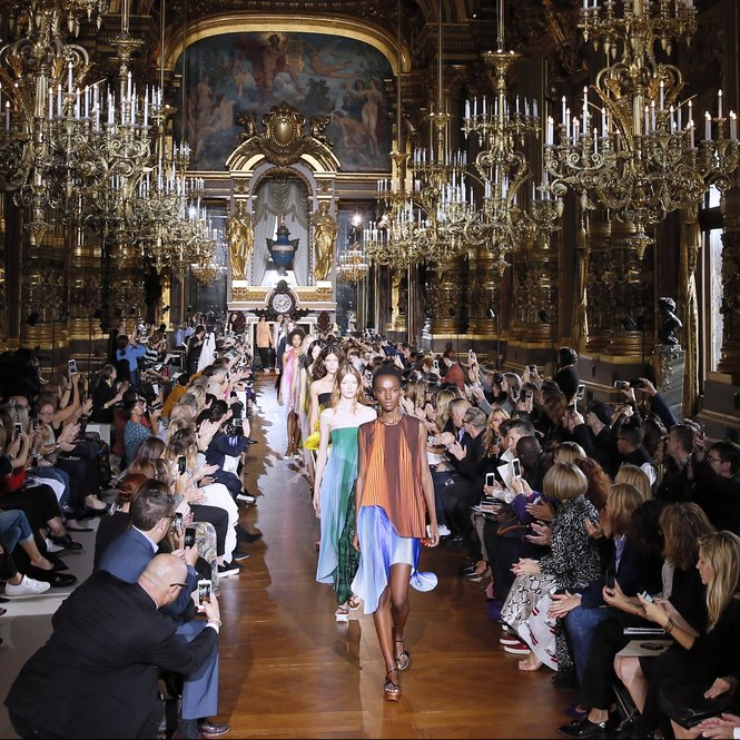 Models present creations by Stella McCartney during the 2016 Spring/Summer ready-to-wear collection fashion show, on October 5, 2015 in Paris.  AFP PHOTO / PATRICK KOVARIK        (Photo credit should read PATRICK KOVARIK/AFP/Getty Images)