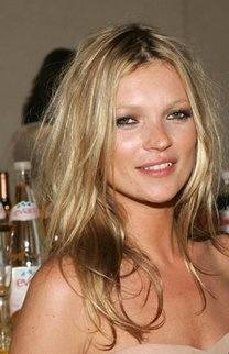 Kate Moss im Out-Of-Bed-Look