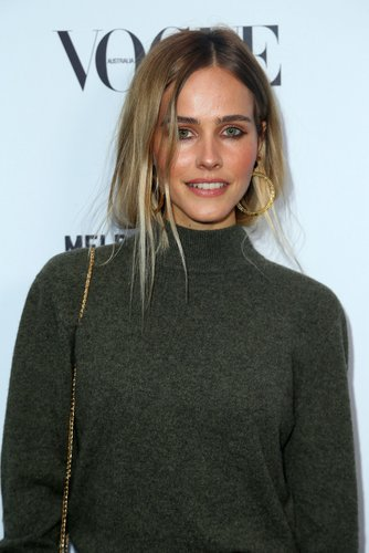 Isabel Lucas: Messy Hair