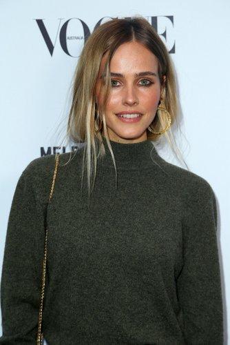 Isabel Lucas: Messy Hair