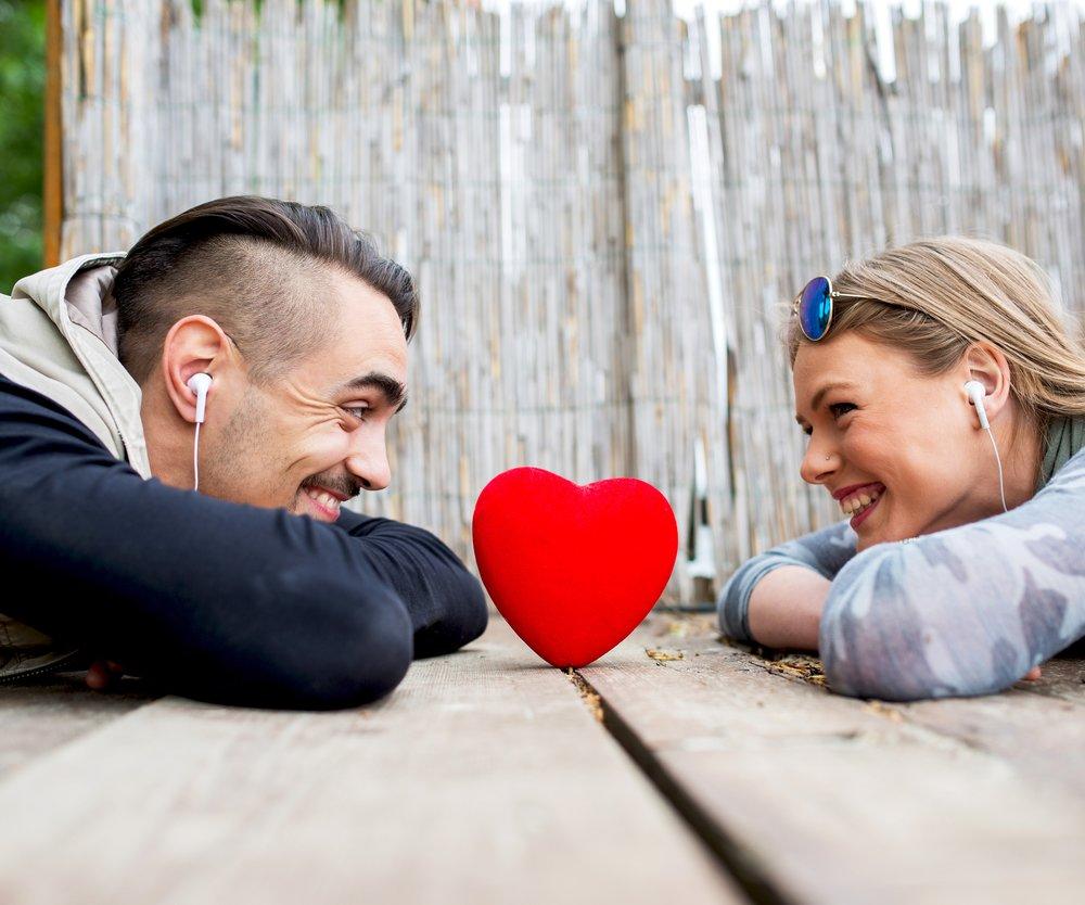 Musik macht Männer für Frauen attraktiver