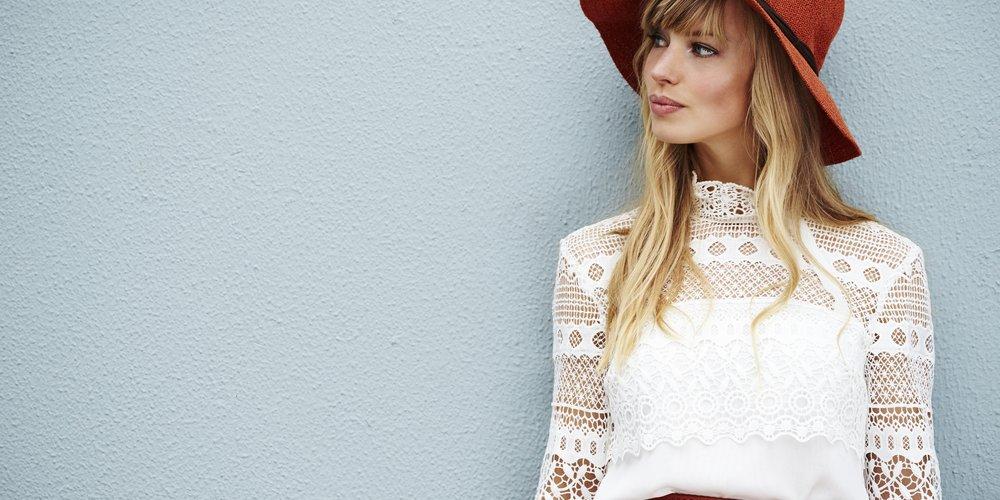 Wir verraten dir 9 grundlegende Styling-Tipps, damit du in jeder Situation wie eine Fashionista aussiehst und dich auch noch wohl dabei fühlst.