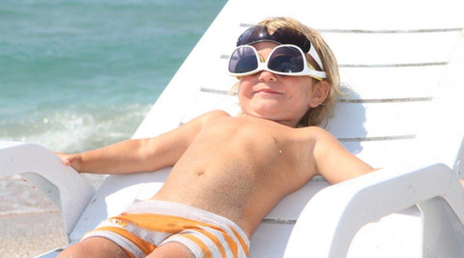 Kindersonnenbrille: bruchsicher und ohne scharfe Metalle