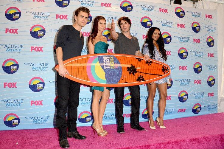 Paul Wesley mit einem Teen Choice Award.