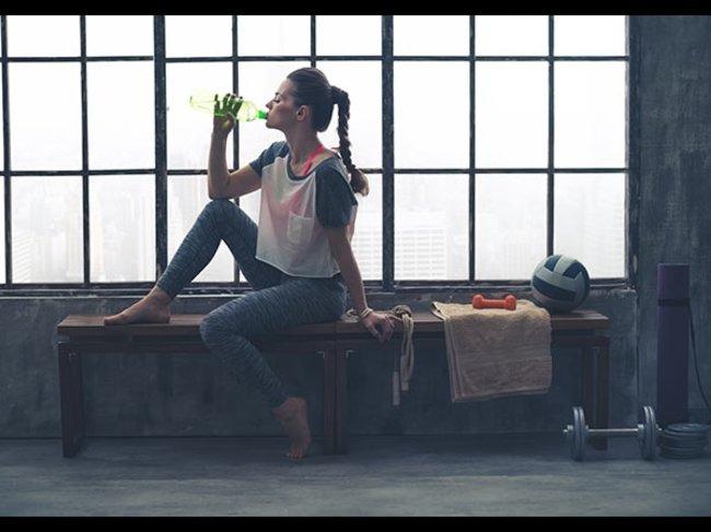 Frau beim Fitness