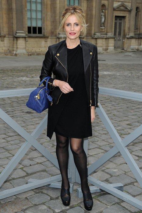 Isabella Ferrari im schwarzen Leder-Look