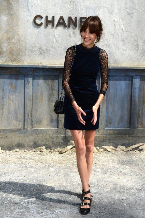 Alexa Chung bei der Chanel Haute Couture Schau in Paris