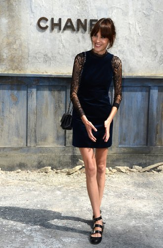 Alexa Chung bei der Chanel Haute Couture Schau in Paris