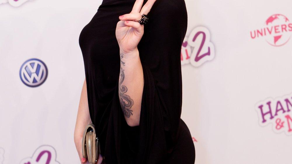 """""""AWZ""""-Star Christina Klein singt im Studio"""