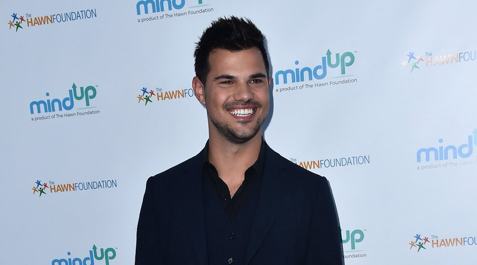 BEVERLY HILLS, CA - MAY 06: Actor Taylor Lautner attends Goldie Hawn's Annual Goldie's Love In For Kids on May 06, 2016 in Beverly Hills, California. (Photo by Alberto E. Rodriguez/Getty Images)
