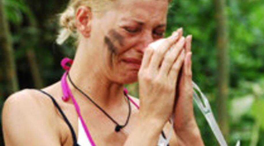 Giulia Siegel verlässt weinend das Dschungelcamp