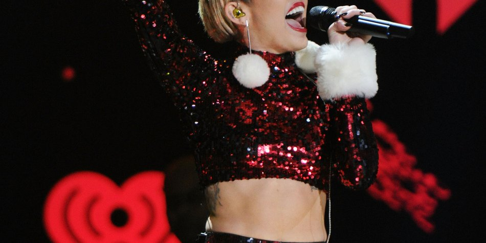 Miley Cyrus spielt auf dem Times Square