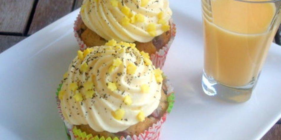 Eierlikör-Kirsch-Cupcakes