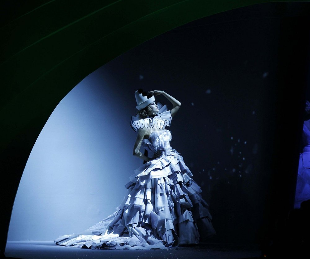Dior Couture: 239 Seiten voller Haute Couture