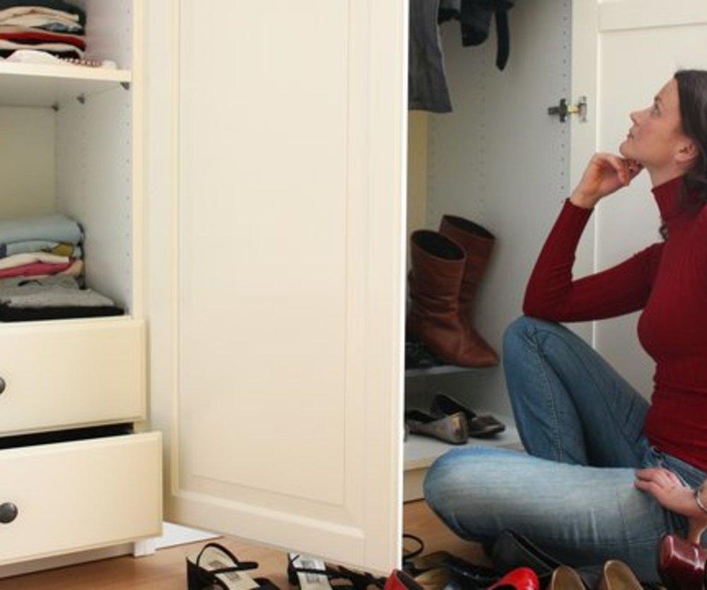 ordnung im kleiderschrank richtig einr umen ist das halbe. Black Bedroom Furniture Sets. Home Design Ideas