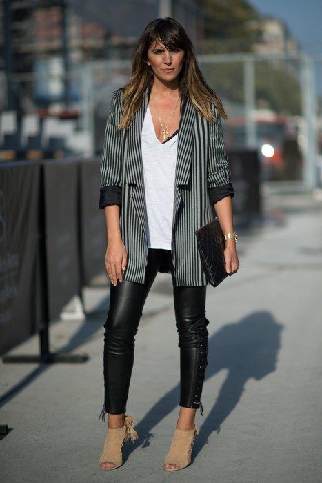 Eine Besucherin der Istanbul Fashion Week