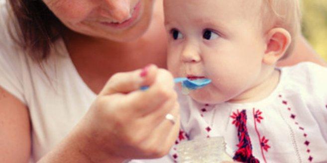 Viele Eltern füttern ihre Kinder mit Bio-Babynahrung.