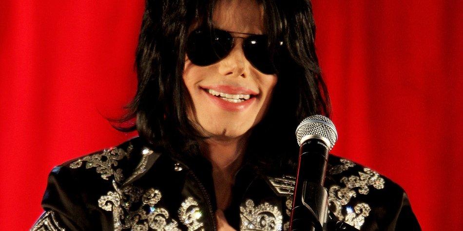 Michael Jackson als nackte Leiche gezeigt