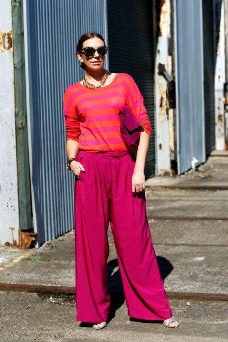 Lauren Brain zeigt einen knalligen Street Style