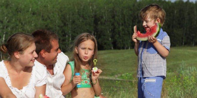 Viele Eltern hätten gerne mehr Zeit für ihre Kinder.