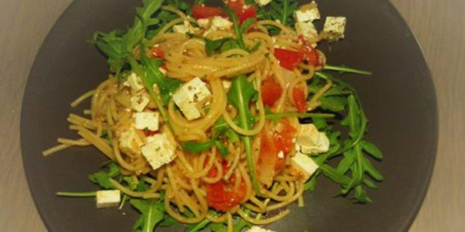 Vegetarische Pasta mit Rucola