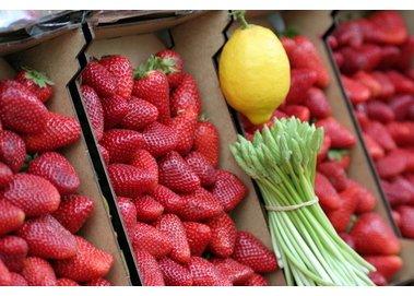 Erdbeer-Spargel Salat frisch und lecker