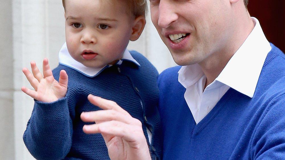 Prinz George ist fasziniert von seiner Schwester