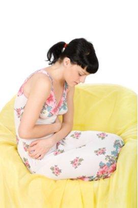 Unterleibsschmerzen gehören zum PMS dazu.