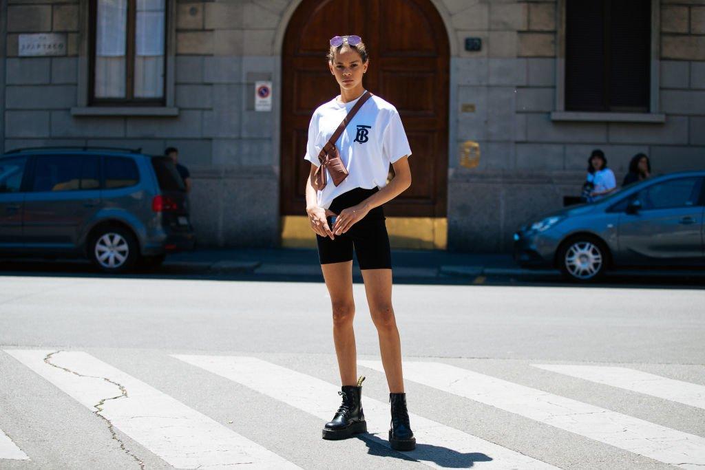 Weißes Shirt zur Radlerhose