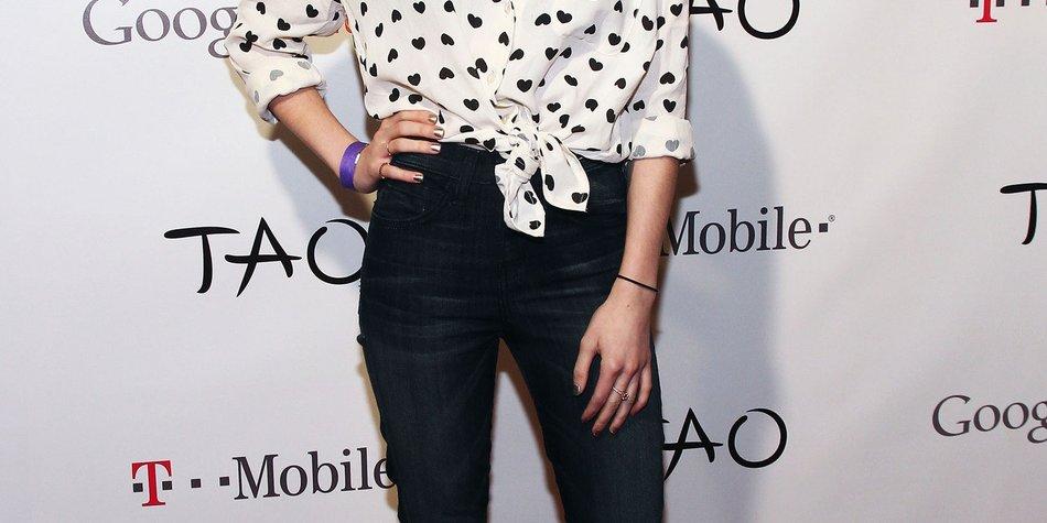 Emma Roberts mag fettiges Essen