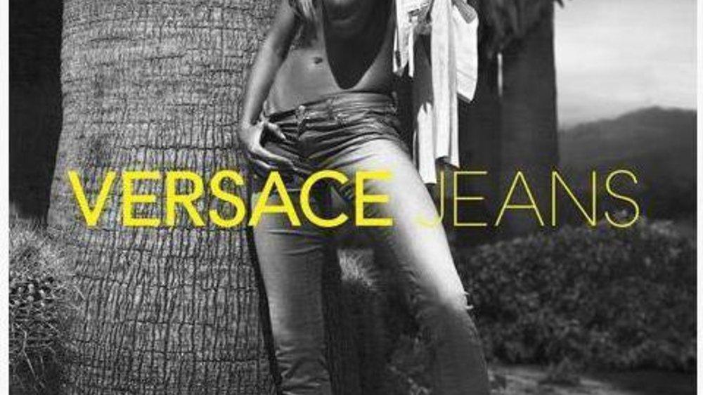 Gisele Bündchen in Versace Jeans