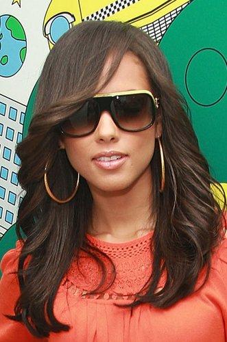 Alicia Keys mit schrägem Pony