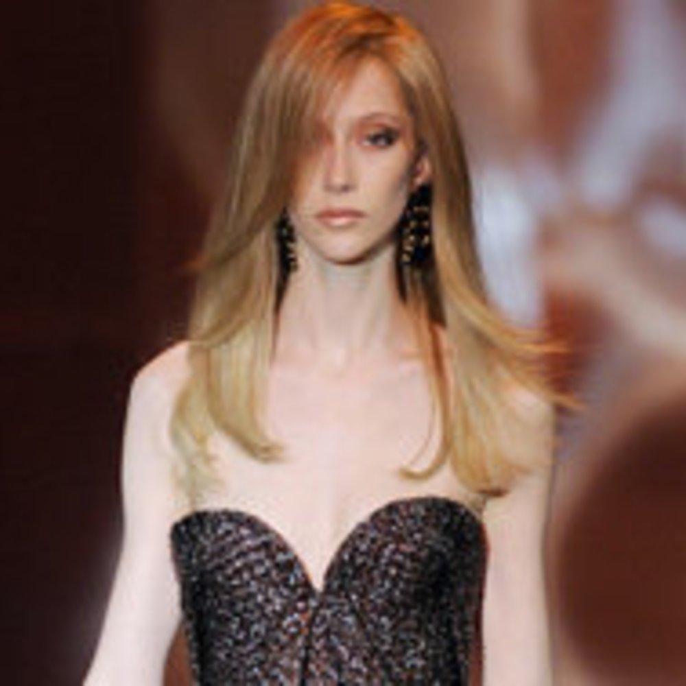 Fashion Week Paris: Haute Couture von Giorgio Armani Privé begeistert