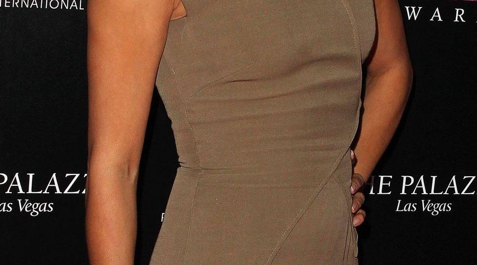Eva Longoria mit Atemnot auf dem roten Teppich