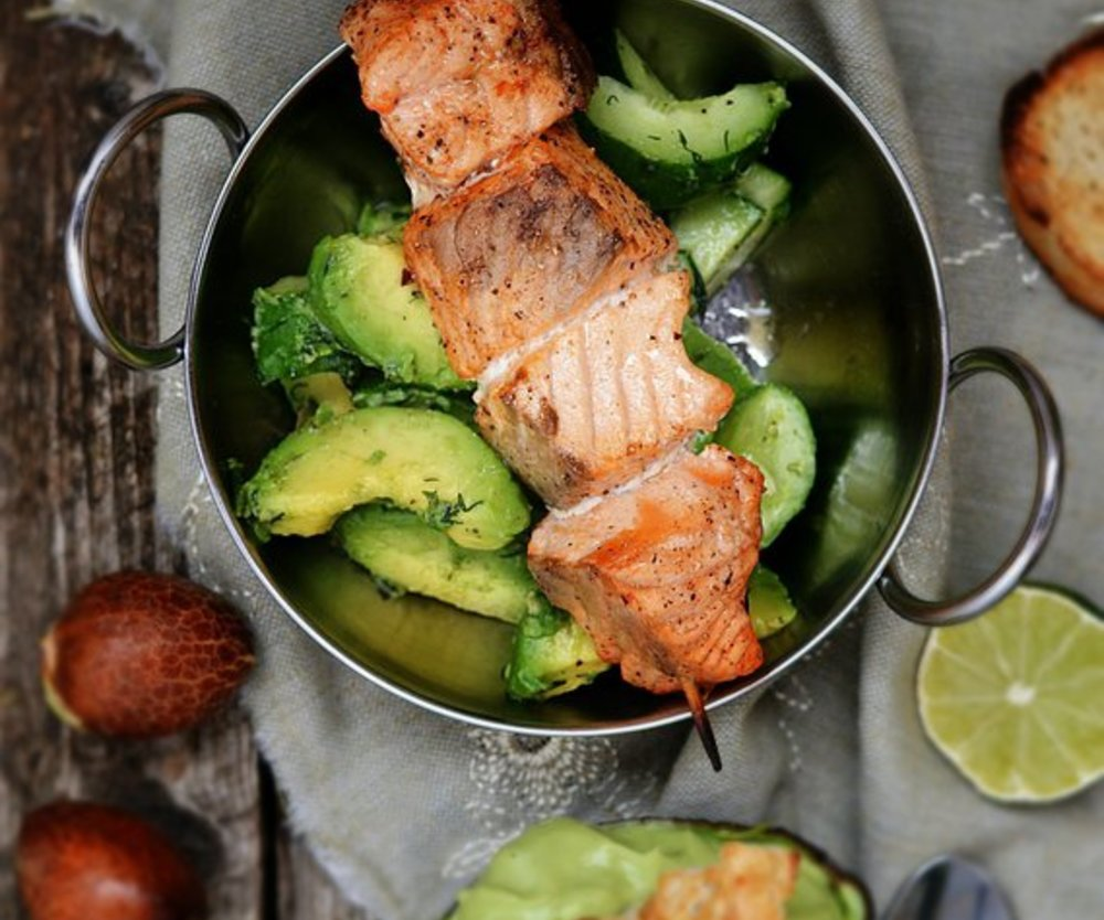 Leicht und Schnell: Würzfisch mit Gurkensalat