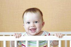 Baby 11 Monate: Einzelne Wörter ergeben einen Sinn
