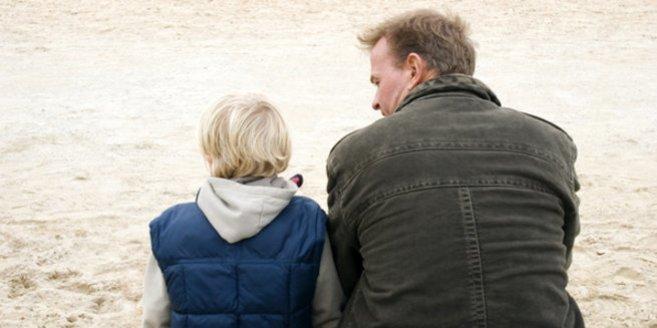 Sorgerecht beantragen: Vater und Sohn.