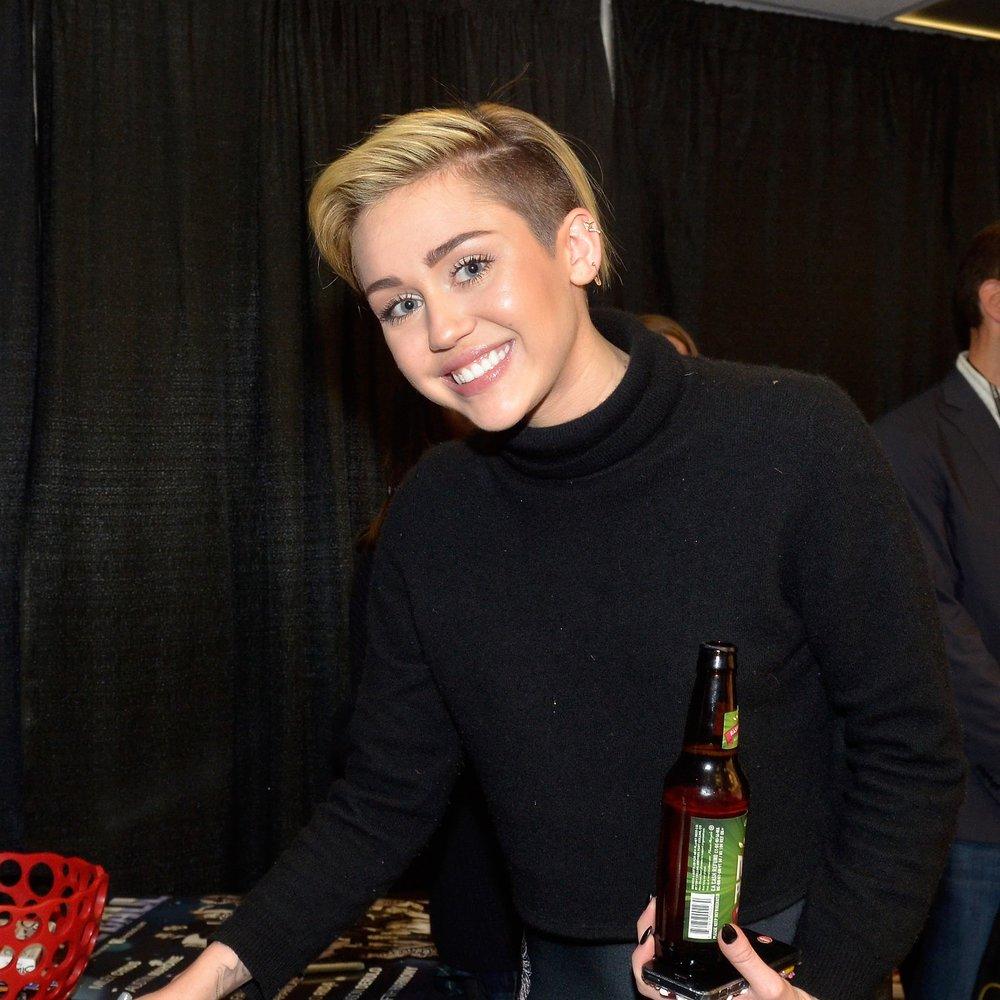 Miley Cyrus datet Kellan Lutz nicht