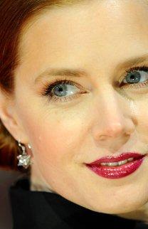 Amy Adams: Seitlicher Gretchen-Knoten