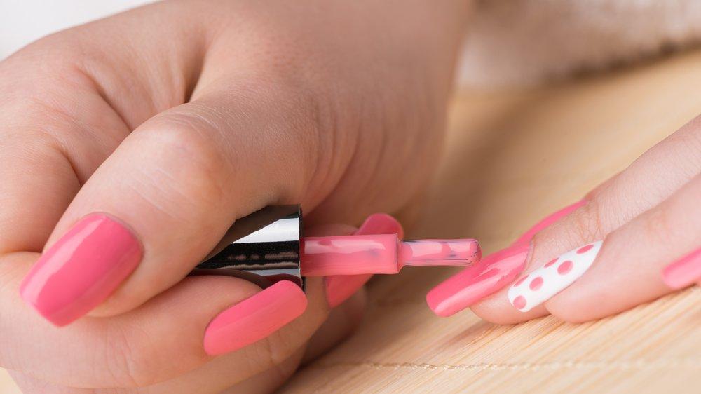 Vagina-Nail-Art